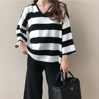1a1f31c3e  New Arrival  DAILYLOOK Korean fashion striped sweater (Korea Fashion)   LKKN01375805