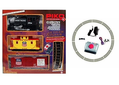 (Silvergate Distributors, Inc ) PIKO Germany - Union Pacific 120V Freight  Train Complete Starter