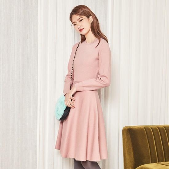 ナインNAINフィット・アンド・フレアニット・ワンピースOP3437 面ワンピース/ 韓国ファッション
