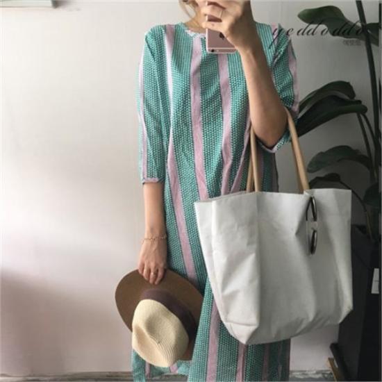 はいトト行き来するようにはいトトパターンワンピース プリントのワンピース/ 韓国ファッション