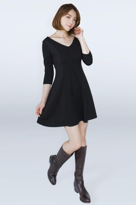 [S$27.65](▼43%)[ Kakuu Basic]v neckline dress