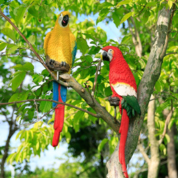 Sculpture garden ornaments hanging on the tree Zoo forest simulation Macaw ornaments resin crafts
