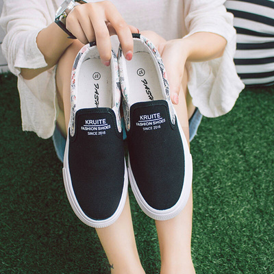 c18c27d80 17 Spring and autumn season girl Canvas shoes 13 female Big Boy White 14  high school student One foo