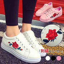 2017 Korean Embroidered women shoes Sports shoes Flat shoes casual shoes