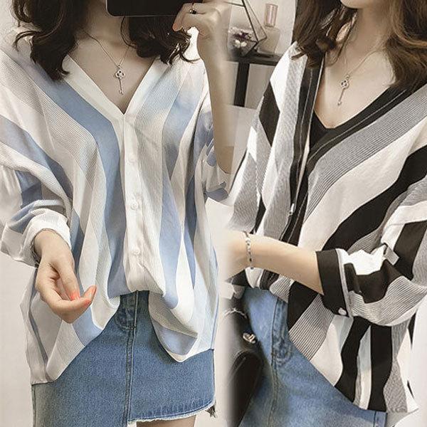 d48b6fa65863 Qoo10 -  Free Shipping  Striped Tonic Shirt Blue   Black  Spring ...