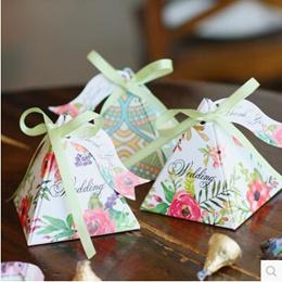 Best selling secret garden version triangle wedding dinner candy box