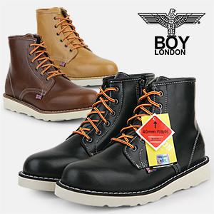 f18bb9a40681 Qoo10 - Trekking Boots   Men s Bags   Shoes