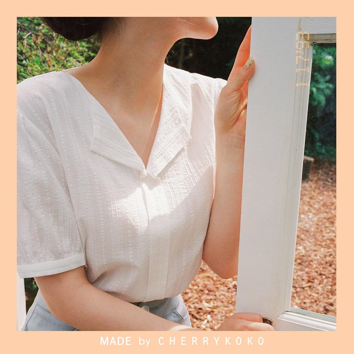 [CHERRYKOKO官方旗艦店] V領泡芙秀襯衫 / pelota blouse