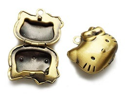 Lockets / Photo Charms / Hello kitty Pendants jewellery making DIY