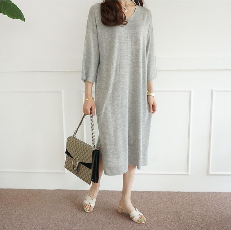 [by yam] サマースリットポイントニットワンピース/秋まで着ることができ