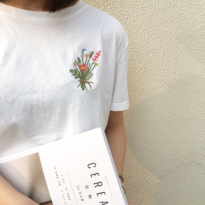 b48617151 2017 Spring new Korean style Japanese style simple Embroidery Flower sleeve  head T-shirt