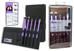 Real Techniques Your Eyes Enhanced Starter Set 5 Brushes + Case. 100% Authentic