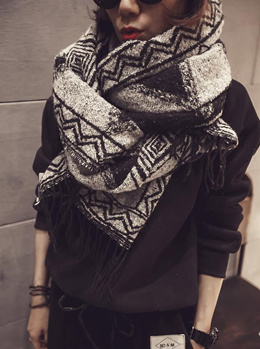 The new scarf shawl thickening keep warm to winter/National wind restoring ancient ways burrs tassel geometric patterns