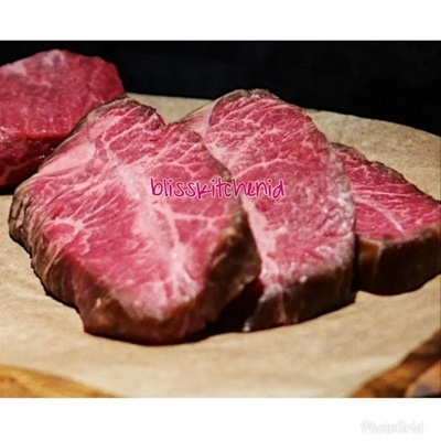 Oyster Blade Real Wagyu Steak MB5++ 200gr
