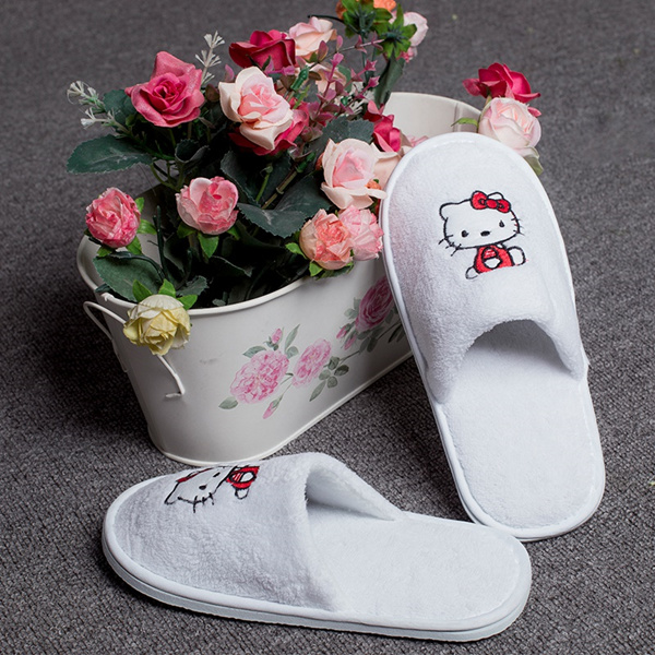 Hotel children non disposable slippers and slippers children I kindergarten home travel antiskid and Deals for only S$12 instead of S$0